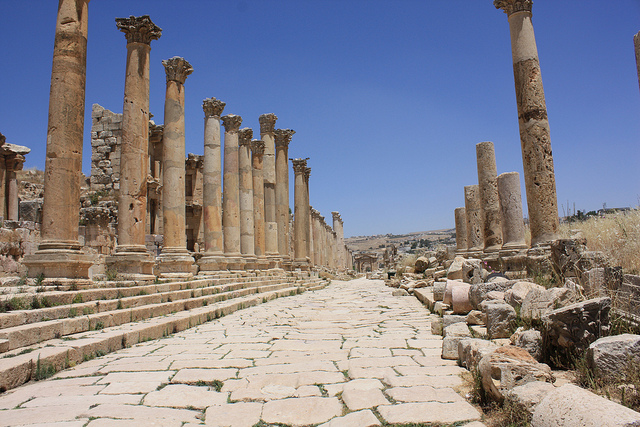 Jerash has many Roman ruins, best seen in fall, the best time to visit Jordan!