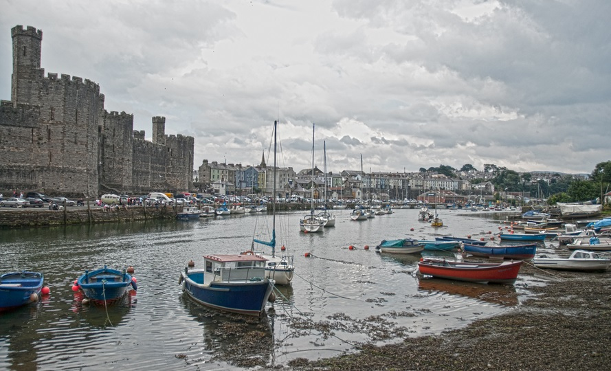 Of all the top tourist attractions in Caernarfon, Wales, this centrepiece castle is by far the best of the bunch!