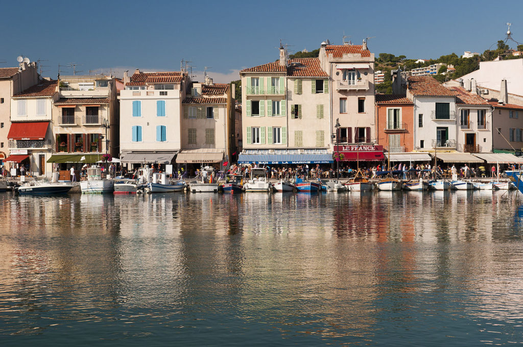 1280px-Cassis,_Provence,_France_(6052996072)